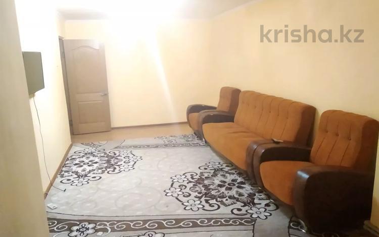3-комнатная квартира, 68 м², 4/4 этаж, проспект Бауыржан Момышулы 4 — Туркестанская за 17 млн 〒 в Шымкенте