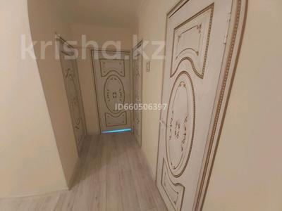 3-комнатная квартира, 69 м², 5/9 этаж помесячно, улица Момышулы 19 за 230 000 〒 в Атырау — фото 4