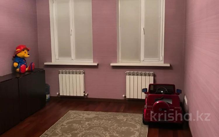3-комнатная квартира, 82 м², 5/15 этаж, Навои — Торайгырова за 49.5 млн 〒 в Алматы, Бостандыкский р-н