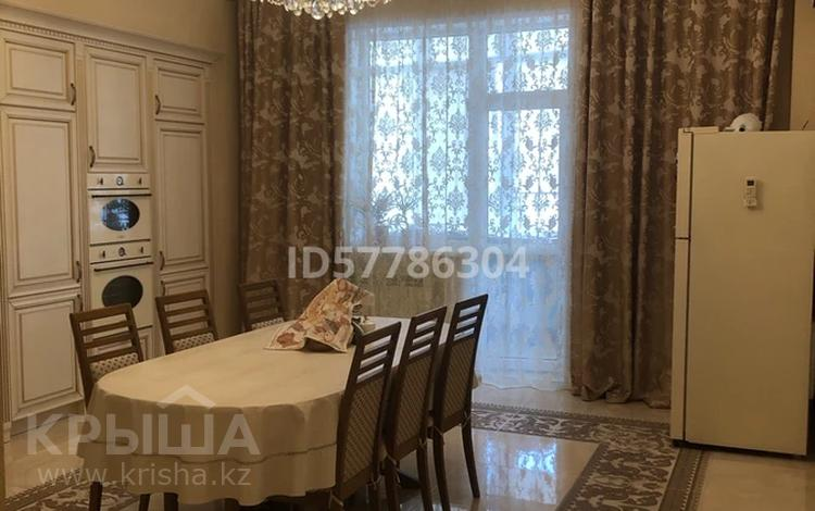 4-комнатная квартира, 258 м², 6/6 этаж, Керей Жанибек хандар 5 — Кабанбай батыра за 140 млн 〒 в Нур-Султане (Астана), Есиль р-н