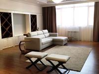 5-комнатная квартира, 256 м², 25 этаж помесячно