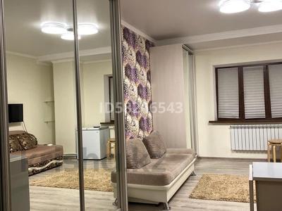 1-комнатная квартира, 32 м², 1/5 этаж помесячно, Дружбы 2/3 за 100 000 〒 в Усть-Каменогорске — фото 3