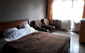 1-комнатная квартира, 37 м², 3/5 этаж помесячно, Селевина 16 за 70 000 〒 в Семее