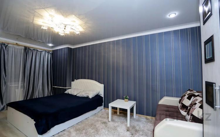 1-комнатная квартира, 45 м², 5/5 этаж посуточно, Кутузова 3 — Лермонтова за 5 500 〒 в Павлодаре