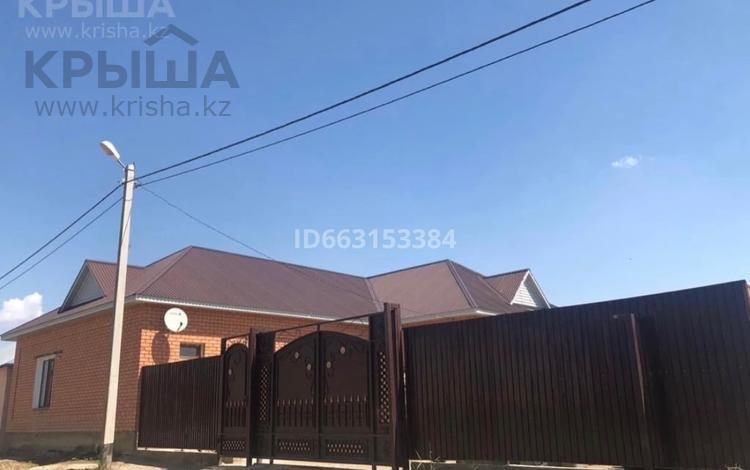 5-комнатный дом, 170 м², 10 сот., Каспий 22 — Б.Баймаганбетов за 28 млн 〒 в