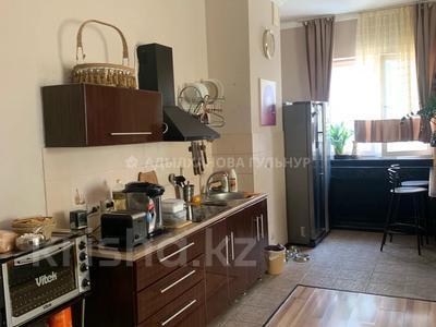 2-комнатная квартира, 80 м², 12/18 этаж, Брусиловского за 28 млн 〒 в Алматы, Алмалинский р-н