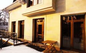 8-комнатный дом помесячно, 400 м², 20 сот., мкр Ремизовка, Мкр Ремизовка за 1.5 млн 〒 в Алматы, Бостандыкский р-н