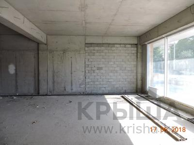 Магазин площадью 306 м², мкр Самал, Бегалина 68 — Кабанбай батыра за 200 млн 〒 в Алматы, Медеуский р-н