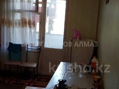 2-комнатная квартира, 52 м², 5/5 этаж, мкр Аксай-3А 53 за 13.8 млн 〒 в Алматы, Ауэзовский р-н — фото 2