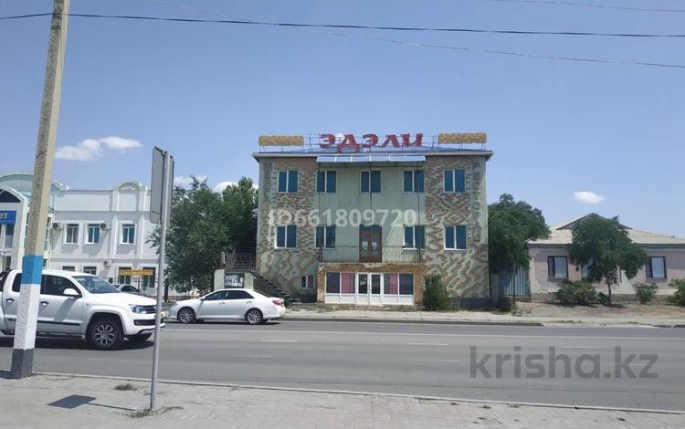 Здание, площадью 550 м², Махамбета Утемисова 102 за 98 млн 〒 в Атырау