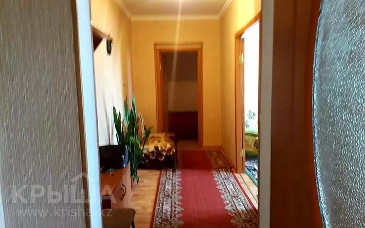 2-комнатная квартира, 60 м², 3/4 этаж посуточно, Валиханова 129 — Найманбаева за 8 000 〒 в Семее