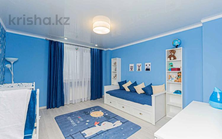 5-комнатная квартира, 242 м², 16/18 этаж, Кенесары 51 за 82 млн 〒 в Нур-Султане (Астане), р-н Байконур