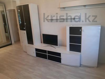 1-комнатная квартира, 42 м², 1/9 этаж на длительный срок, Валиханова 129 за 130 000 〒 в Семее