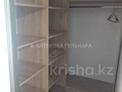 3-комнатная квартира, 70 м², 10/11 этаж помесячно, Кенжебека Кумисбекова 9/1 за 130 000 〒 в Нур-Султане (Астана) — фото 10