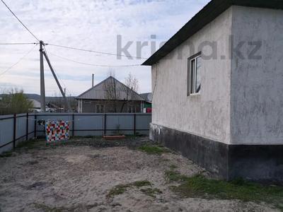 2-комнатный дом, 70 м², 6 сот., Агропромышленник 4 А — Желтоксан за 4.2 млн 〒 в Талдыкоргане — фото 18
