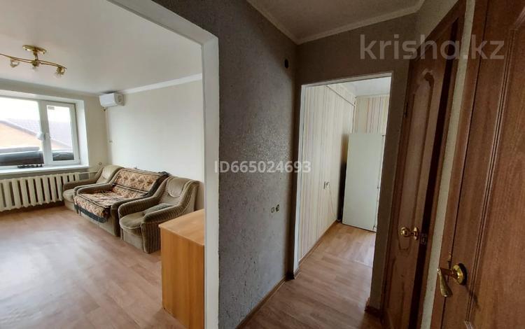 2-комнатная квартира, 41 м², 5/5 этаж, Мажита Жунисова 114 за 9.9 млн 〒 в Уральске
