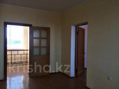 8-комнатный дом, 240 м², 23 сот., Момышулы 8 за 65.5 млн 〒 в Атырау — фото 11
