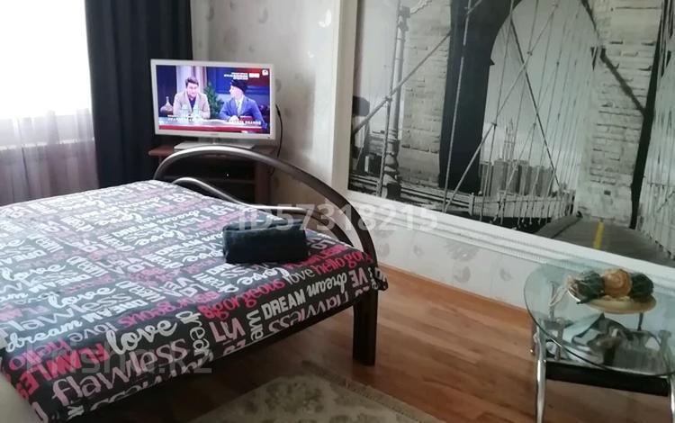1-комнатная квартира, 37 м², 3/10 этаж посуточно, Набережная 5 за 7 000 〒 в Павлодаре