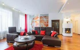 3-комнатная квартира, 120 м², 12 этаж посуточно, Хусаинова 225 за 20 000 〒 в Алматы, Бостандыкский р-н