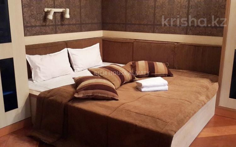 1-комнатная квартира, 32 м², 4/4 этаж посуточно, Кабанбай батыра 91 за 8 995 〒 в Алматы, Алмалинский р-н