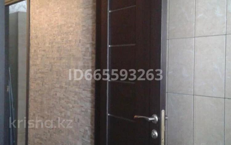 1-комнатная квартира, 35 м², 3/5 этаж, мкр Майкудук, Мамыраева 35 за 11.9 млн 〒 в Караганде, Октябрьский р-н