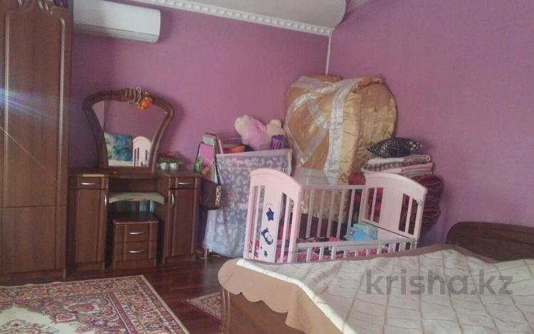 6-комнатный дом помесячно, 200 м², 4 сот., Аль - Фараби — Оренбургская за 180 000 〒 в Алматы, Медеуский р-н