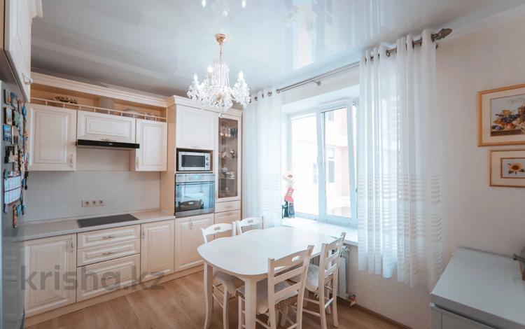 3-комнатная квартира, 81 м², 5/6 этаж, 38 улица 22-27 за 36.5 млн 〒 в Нур-Султане (Астана), Есиль р-н