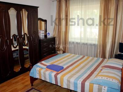 1-комнатная квартира, 40 м², 1/5 этаж посуточно, Курмангазы 83 — Сейфуллина за 8 000 〒 в Алматы, Алмалинский р-н