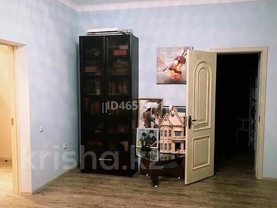 8-комнатный дом, 365 м², 10 сот., Саркамыс 2 за 70 млн 〒 в Атырау — фото 11