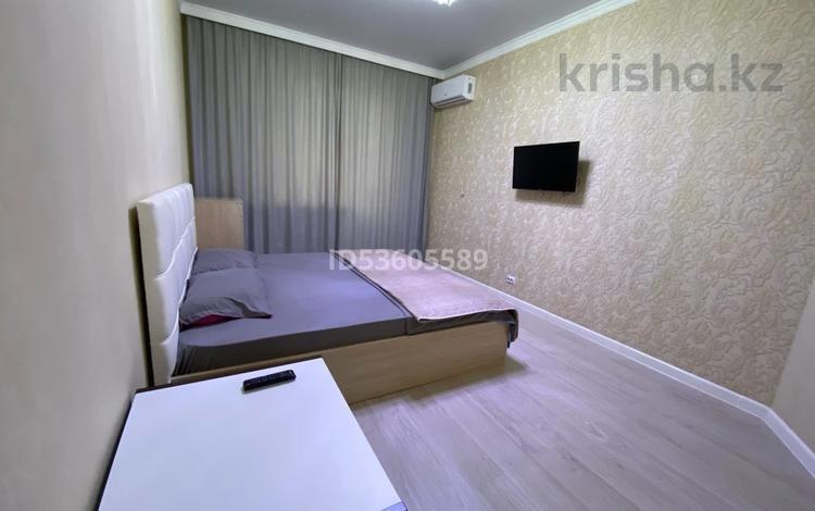 1-комнатная квартира, 48 м², 8/10 этаж посуточно, Газиза Жубанова 146 — Санкибай батыра за 10 000 〒 в Актобе