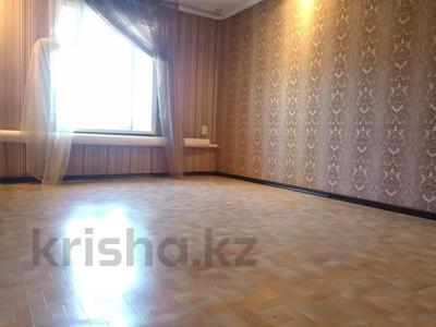 6-комнатный дом, 130 м², 9 сот., Тукая 59 — Найманбаева за 25 млн 〒 в Семее — фото 13