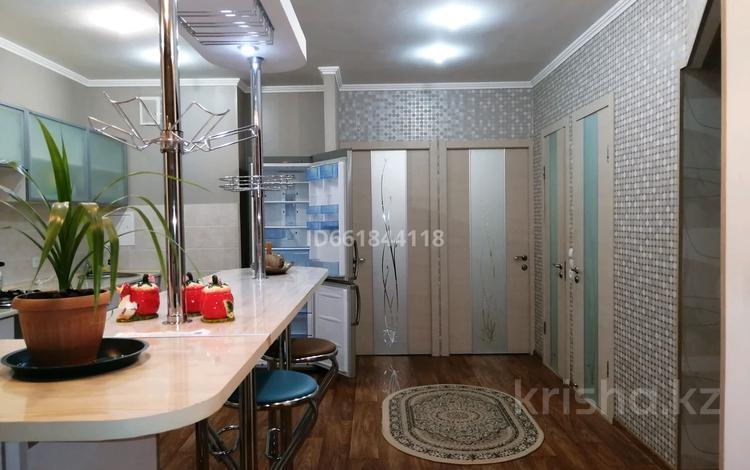 2-комнатная квартира, 68 м², 8/9 этаж, 28-й мкр 28 за 10.5 млн 〒 в Актау, 28-й мкр