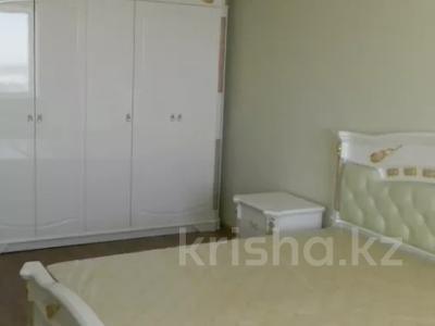 3-комнатная квартира, 92 м², 10/10 этаж помесячно, Ермекова 106/6 за 120 000 〒 в Караганде, Казыбек би р-н