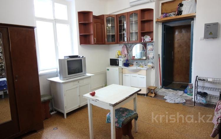 1-комнатная квартира, 25 м², 3/3 этаж, Кабанбай Батыра — Желтоксан за 12.5 млн 〒 в Алматы, Алмалинский р-н