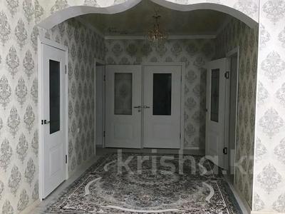 9-комнатный дом, 400 м², Кирова улц: Аккол 11 за 33 млн 〒 в Таразе