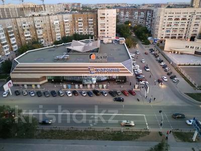 1-комнатная квартира, 40 м², 13/18 этаж посуточно, мкр Юго-Восток 52 — Шахтеров за 9 000 〒 в Караганде, Казыбек би р-н