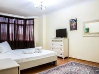 1-комнатная квартира, 50 м², 4/9 этаж посуточно, Сатпаева 2Г за 9 000 〒 в Атырау