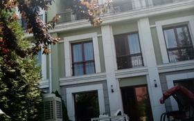 5-комнатная квартира, 306 м², 3/3 этаж поквартально, мкр Горный Гигант, Жамакаева 256а за 2.2 млн 〒 в Алматы, Медеуский р-н
