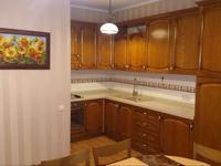 4-комнатный дом помесячно, 250 м², 4 сот.