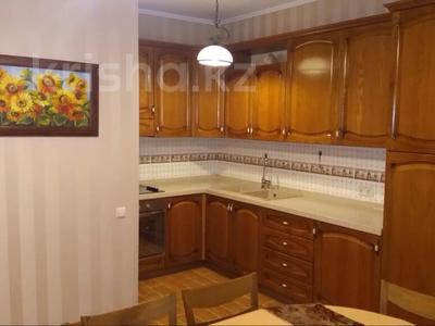 4-комнатный дом помесячно, 250 м², 4 сот., Экспериментальная 7 за 500 000 〒 в Алматы