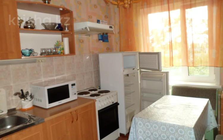 3-комнатная квартира, 60 м², 6/9 этаж помесячно, Машхур Жусупа 64 за 135 000 〒 в Экибастузе