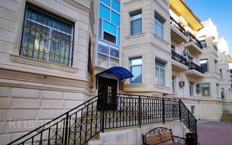 2-комнатная квартира, 76 м², 3/4 этаж, 1-й мкр, 1-й мкр жемчужная 1 за 18 млн 〒 в Актау, 1-й мкр