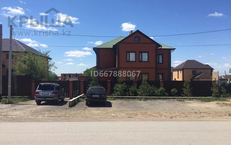 9-комнатный дом, 371 м², 20 сот., мкр Кунгей за 119 млн 〒 в Караганде, Казыбек би р-н