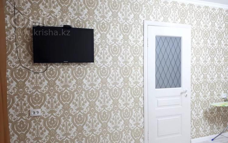 1-комнатная квартира, 30 м², 3/5 этаж посуточно, Казбек би 103 — Абая за 8 500 〒 в Таразе
