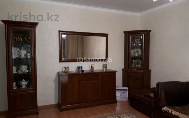 4-комнатная квартира, 116 м², 5/6 этаж, мкр 12 за ~ 24.2 млн 〒 в Актобе, мкр 12