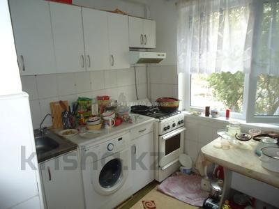 3-комнатная квартира, 60 м², 2/4 этаж, мкр №7, Янтарная — Абая за 19 млн 〒 в Алматы, Ауэзовский р-н