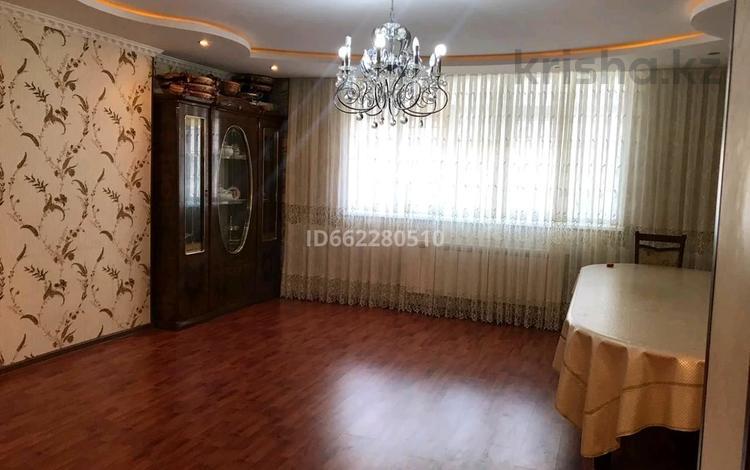 4-комнатная квартира, 107 м², 5/5 этаж, 15-й мкр, 15-й МКР 27 за 18 млн 〒 в Актау, 15-й мкр