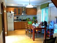 4-комнатный дом помесячно, 160 м², 9 сот.
