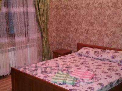 2-комнатная квартира, 60 м², 3/5 этаж посуточно, Тамерлановское шоссе — Желтоксан за 10 000 〒 в Шымкенте — фото 4