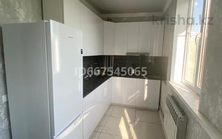 4-комнатная квартира, 70 м², 3/5 этаж, Желтоксан 88 — Ташенова за 33 млн 〒 в Шымкенте, Аль-Фарабийский р-н